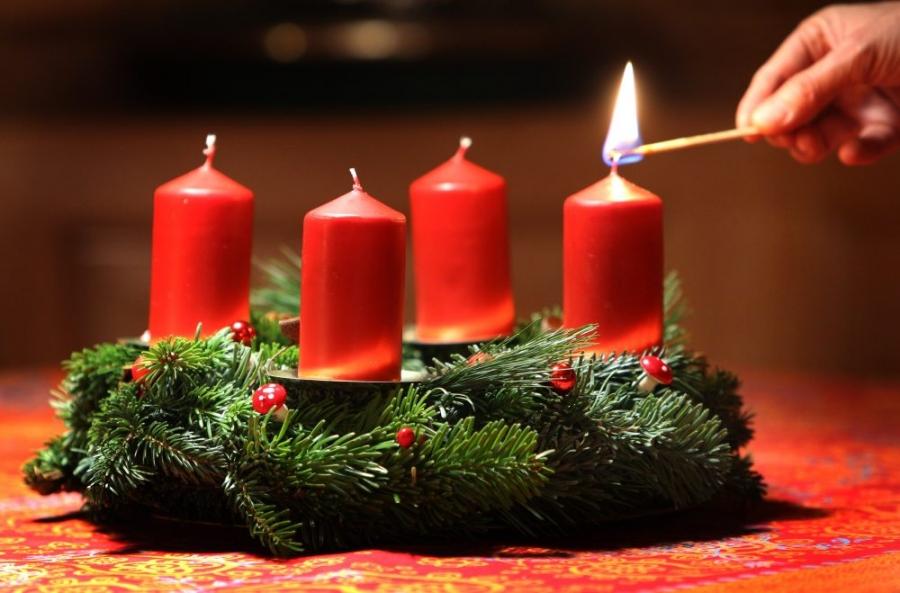Licht Roze Kaarsen : Advent leven naar het licht toe thomas godsdienstonderwijs be